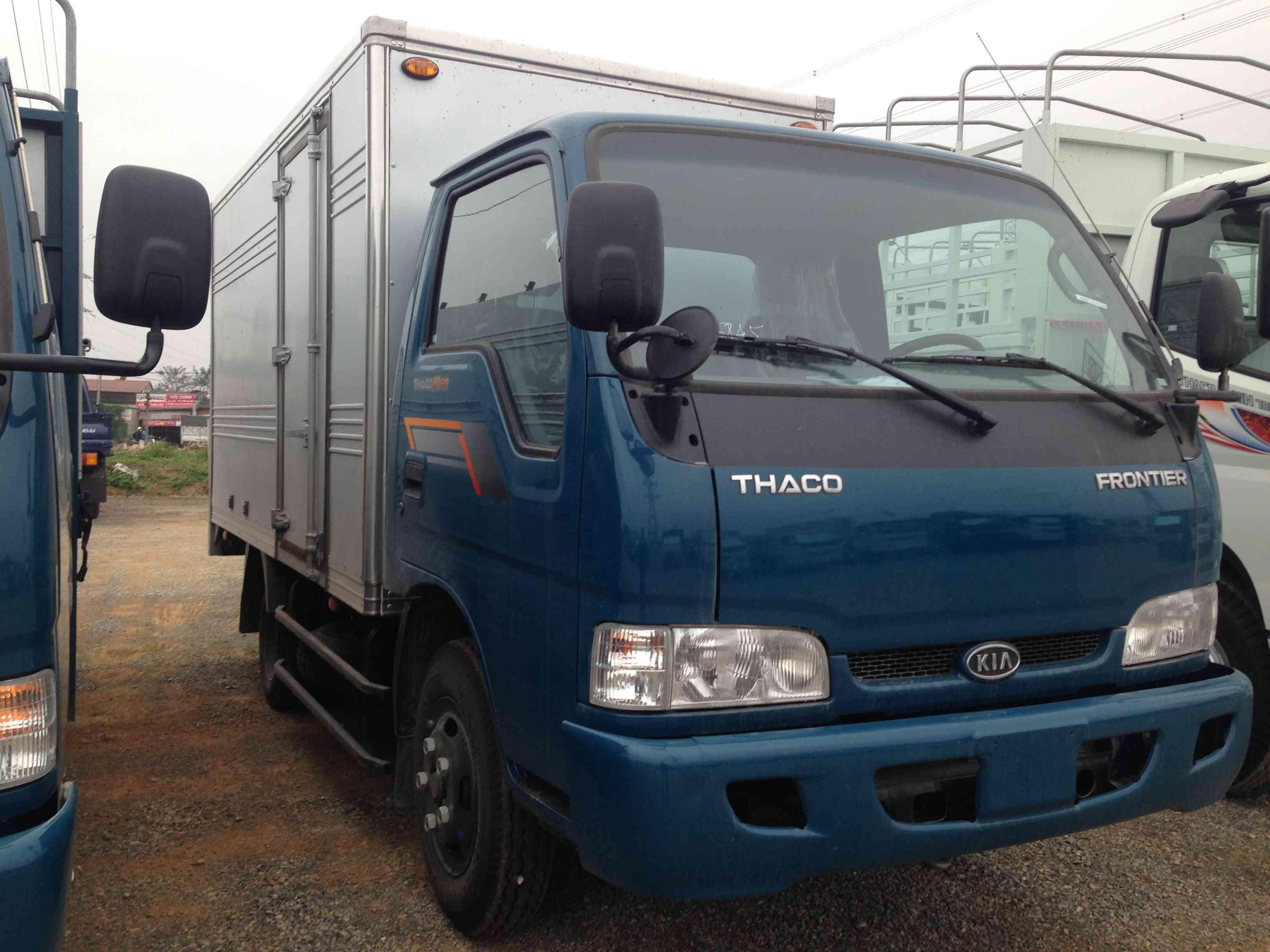 Xe tải Thaco K165 thùng kín tải trọng 2 tấn 3