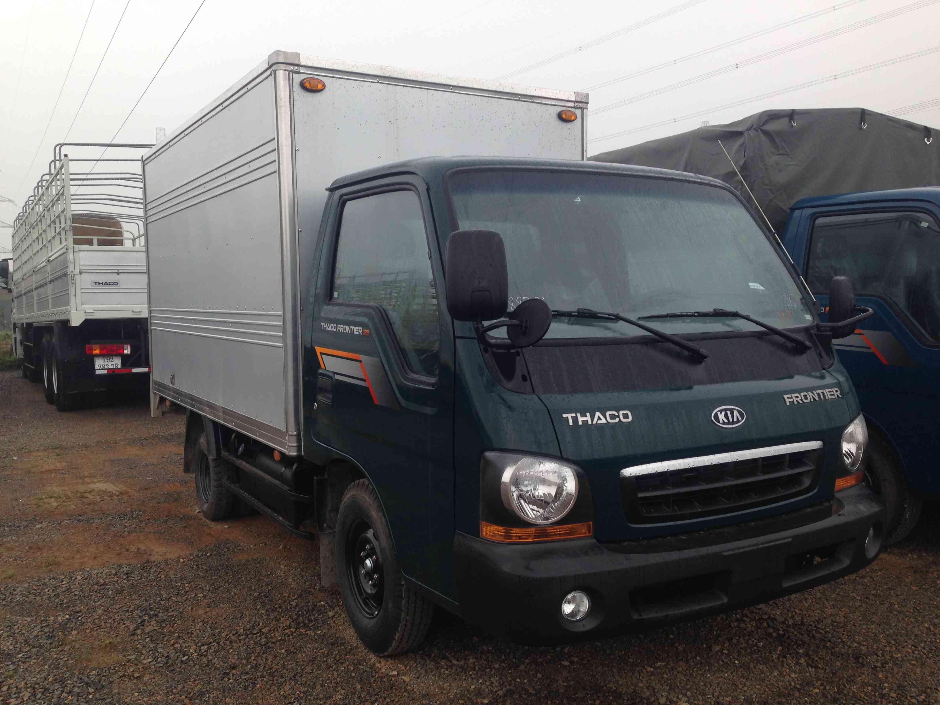 Xe tải Thaco Frontier 125 thùng mui bạt